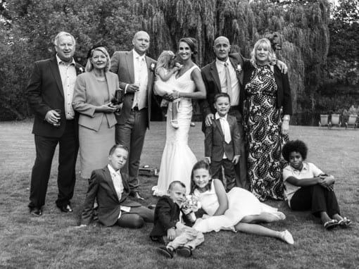 LISA & STUART – GROUP SHOT