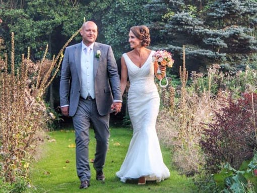 LISA & STUART – THE HAPPY COUPLE