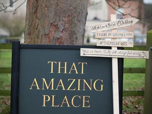 ASHLEE & LEIGH – THAT AMAZING PLACE