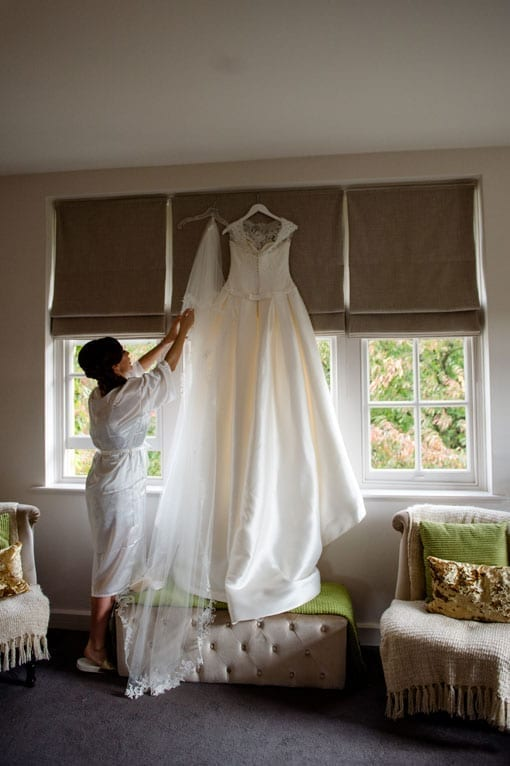 REBECCA & TOMMY – THE DRESS