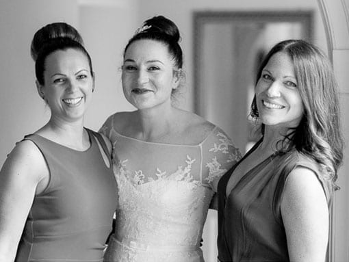 HELEN & BOSE – BRIDE WITH FRIENDS