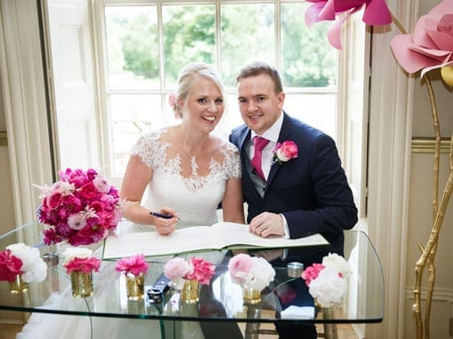 Lauren & Rob – Signing the register