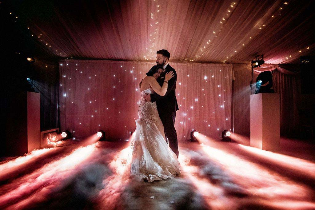 Melissa & Tom Tie The Knot At That Amazing Place Wedding Venue Essex Dance