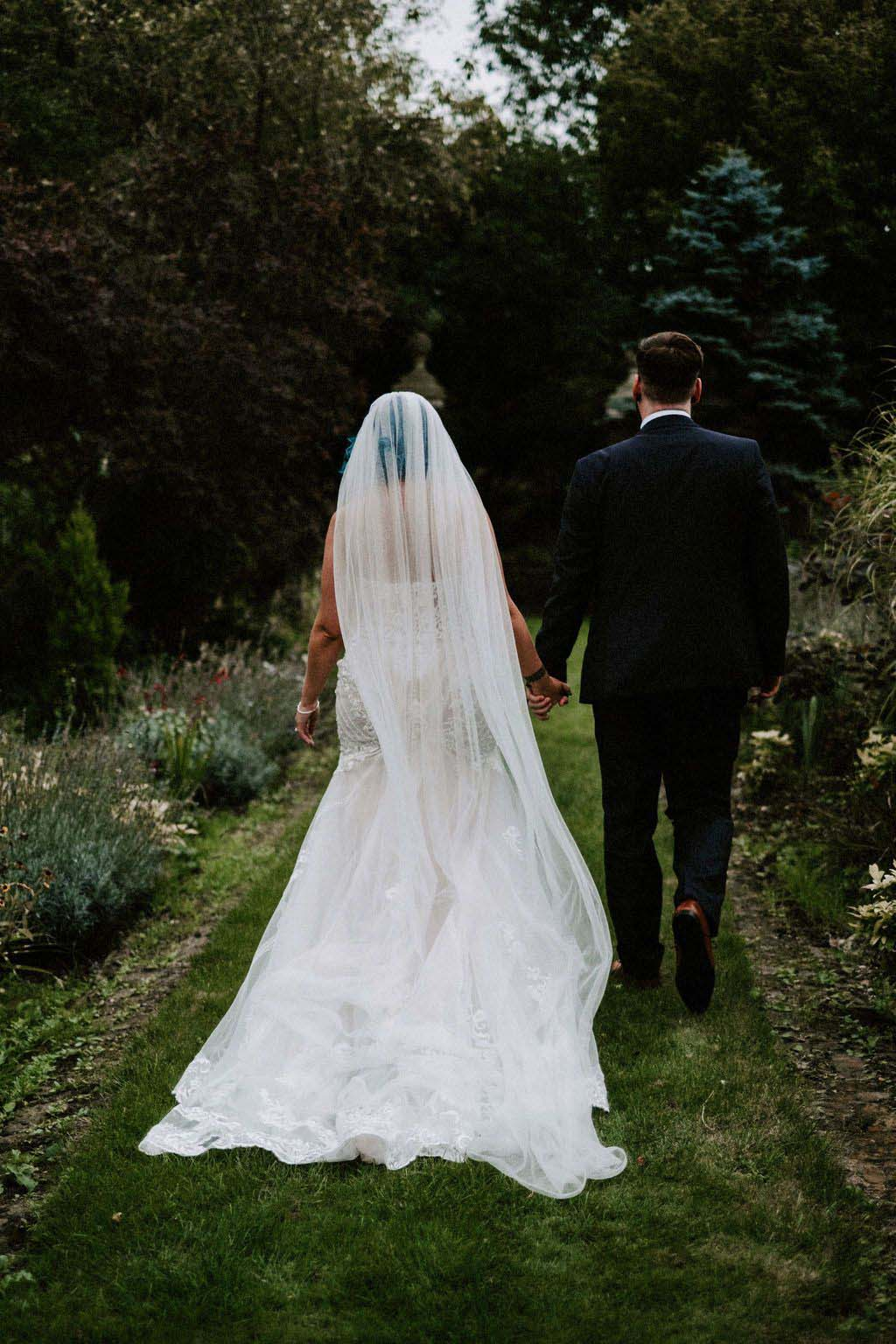Melissa & Tom Tie The Knot At That Amazing Place Wedding Venue Wedding Dress Back